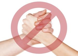 Une mauvais poignée de main donne une mauvaise première impression
