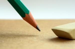 Crayon et gomme à effacer
