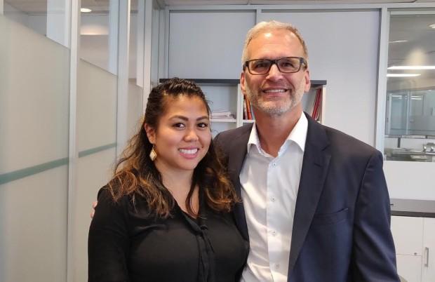 Frances Doria, PDG pour un mois, en compagnie de Gilbert Boileau, président d'Adecco Canada.