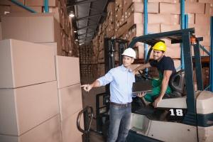 Comment devenir cariste : conseils d'un gérant d'entrepôt